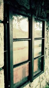 window-372287_1920